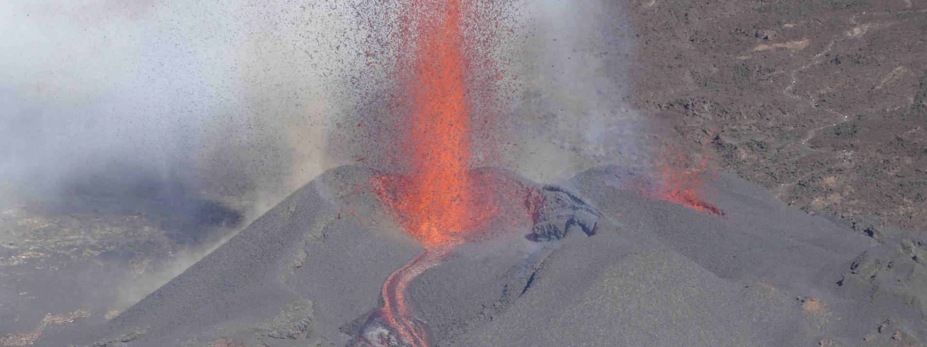 Volcanic eruption in Reunion.