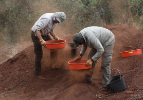 HOMEN researchers excavating Bolt's Farm, near Johannesburg.